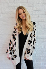 Load image into Gallery viewer, LEOPARD CARDIGAN