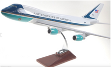 Load image into Gallery viewer, UNITED STATES OF AMERICA B747 AF1 AIR FORCE ONE AIRPLANE WITH WHEELS