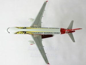 AIR ASIA A320 SEMENGAT AIRBUS LARGE AIRPLANE PLANE MODEL ON STAND SOLID RESIN