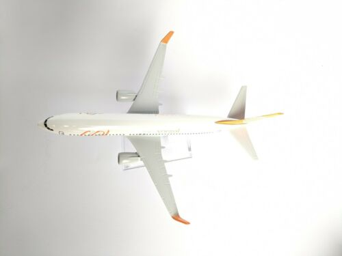 GOL Voegol Airlines Diecast Metal Plane Aircraft Models On Stand Apx 14 cm