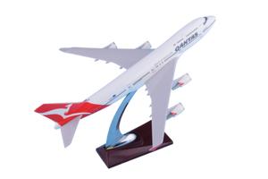 Qantas 747 32cm Plane Model On Stand ✈747 Airplane Resin Model