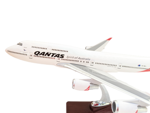 LED  Qantas 747 Wunala VH OEJ with Windows the Last Qantas to Fly.