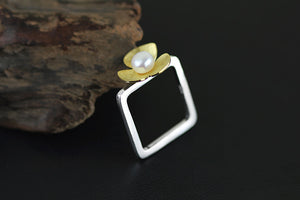 Square shaped ring with flower Pearl - Acecare Jewellery Store