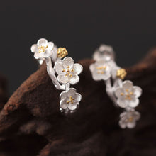 Load image into Gallery viewer, Silver Chinese style beautiful flower retro literary plum earrings