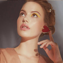 Load image into Gallery viewer, Retro Alloy Drip Nectarine Heart Gold Edge Earring