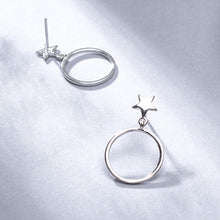 Load image into Gallery viewer, Silver small fresh five-pointed star circle polishing craft earrings for women