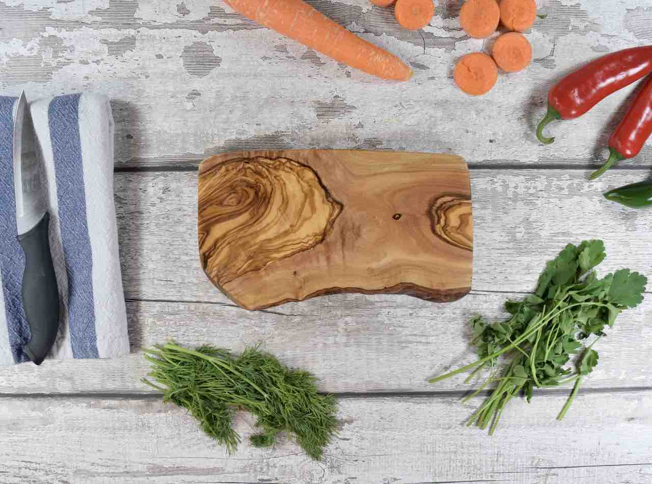 Natural Olive Wood Board with Rustic Edge 20cm - Wooden Kitchen Decor - Natural Home Features