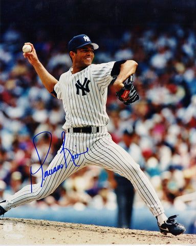 Mariano Rivera Signed New York Yankess 8x10 Photo