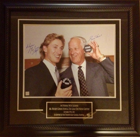 "RARE Wayne Gretzky & Gordie Howe Signed ""An Evening With Legends"" 16x20 Frame"