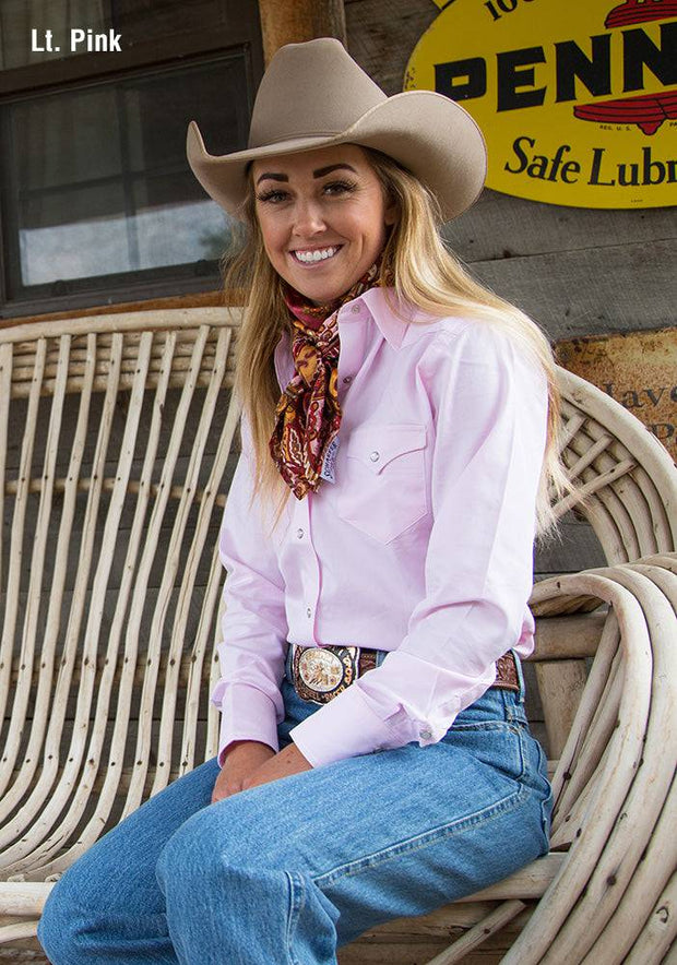 Cowgirl wearing Prairie Lite Western Shirt in Light Pink