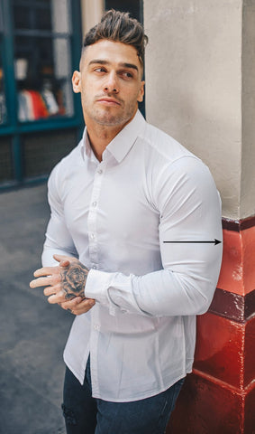 Muscle fit shirt fitting bicep