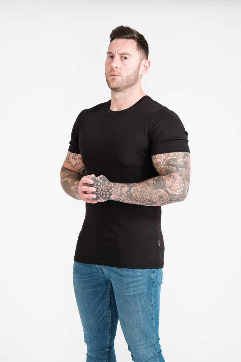 Mens Black Tapered Fit T-Shirt. A Proportionally Fitted and Muscle Fit T Shirt. The best t shirt for muscular guys.