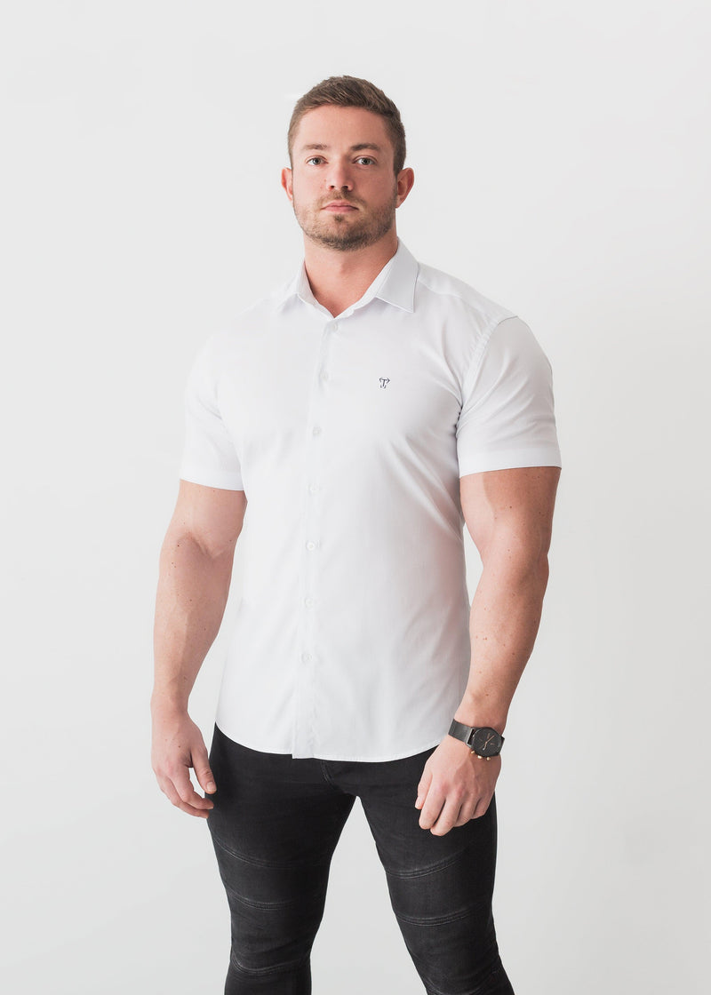 White Short Sleeve Tapered Fit Shirt For Men. A Proportionally Fitted and Comfortable Short Sleeve Muscle Fit Shirt. The Best Shirts For a Muscular Build.