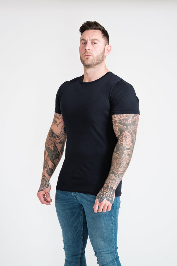 Navy Mens Muscle Fit T-Shirt. A Proportionally Fitted and Muscle Fit T-Shirt. Ideal for athletes.