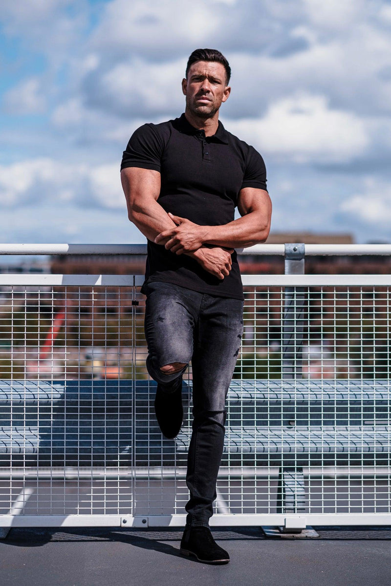 Black short sleeve polo muscle fit. A Proportionally Fitted and Muscle Fit Polo Shirt. Ideal for muscular guys.