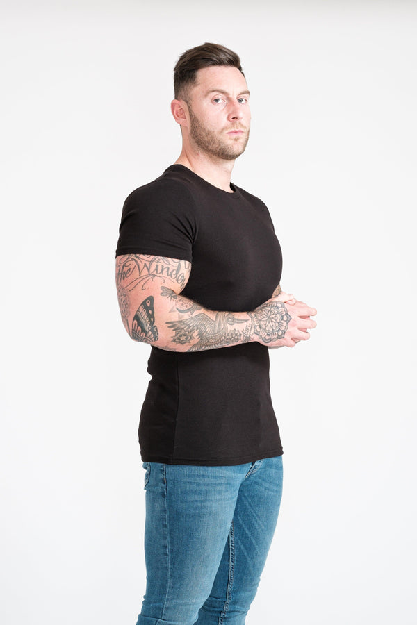 Mens Black Muscle Fit T-Shirt. A Proportionally Fitted and Muscle Fit T Shirt. Ideal for muscular guys.