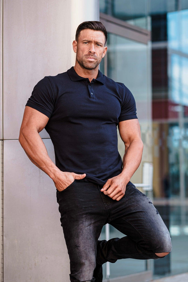 Muscle Fit Navy polo t shirt. A Proportionally Fitted and Muscle Fit Polo Shirt. Ideal for muscular guys.