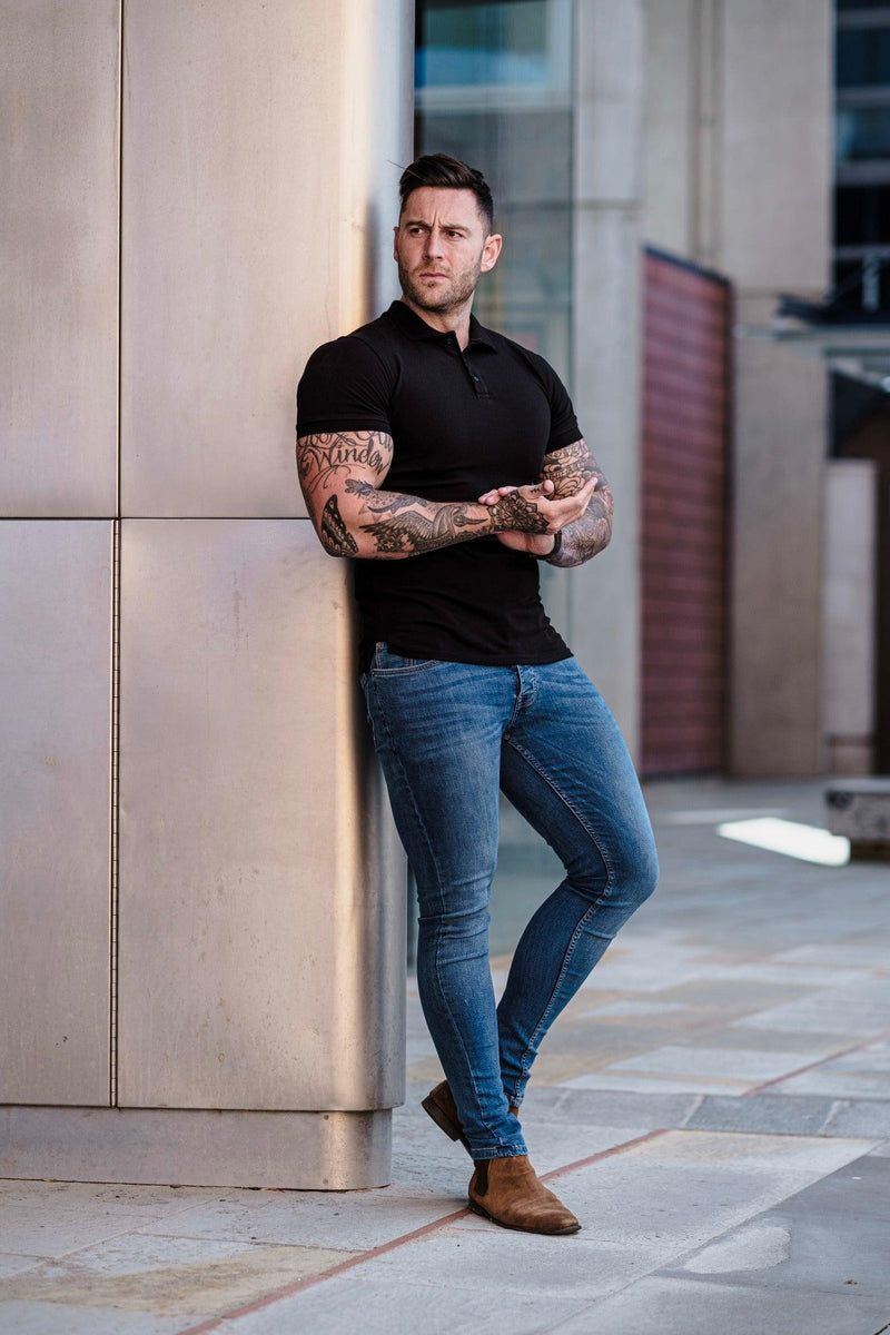 Muscle Fit short sleeve polo black. A Proportionally Fitted and Muscle Fit Polo Shirt. Ideal for muscular guys.