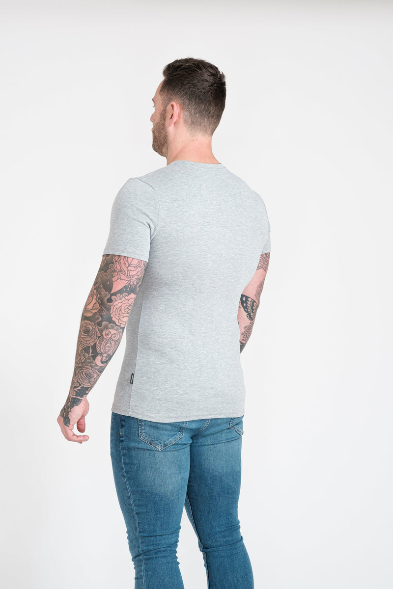 Grey Muscle Fit T-Shirt For Men. A Proportionally Fitted and Muscle Fit T-Shirt. Ideal for bodybuilders.
