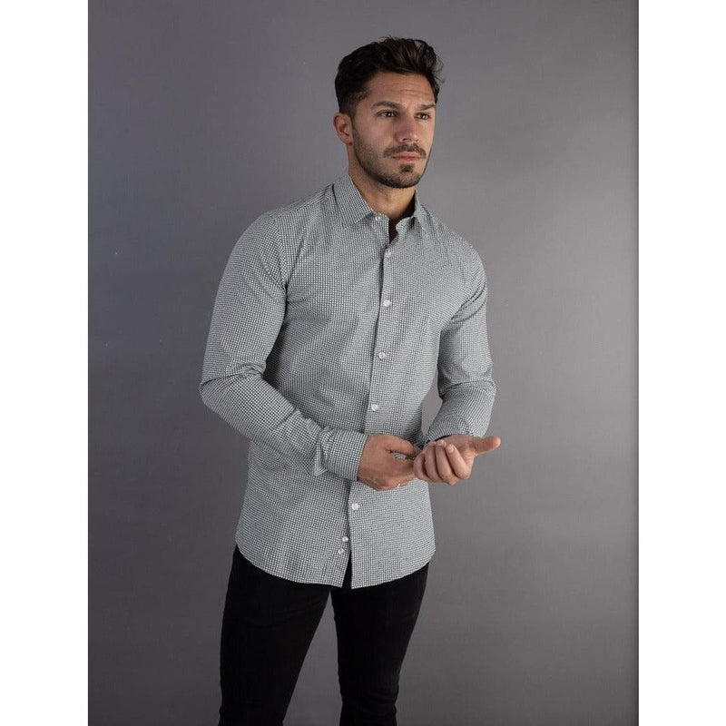 Pattern Tapered Fit Shirt. A Proportionally Fitted and Comfortable Tapered Fit Shirt. Ideal for bodybuilders