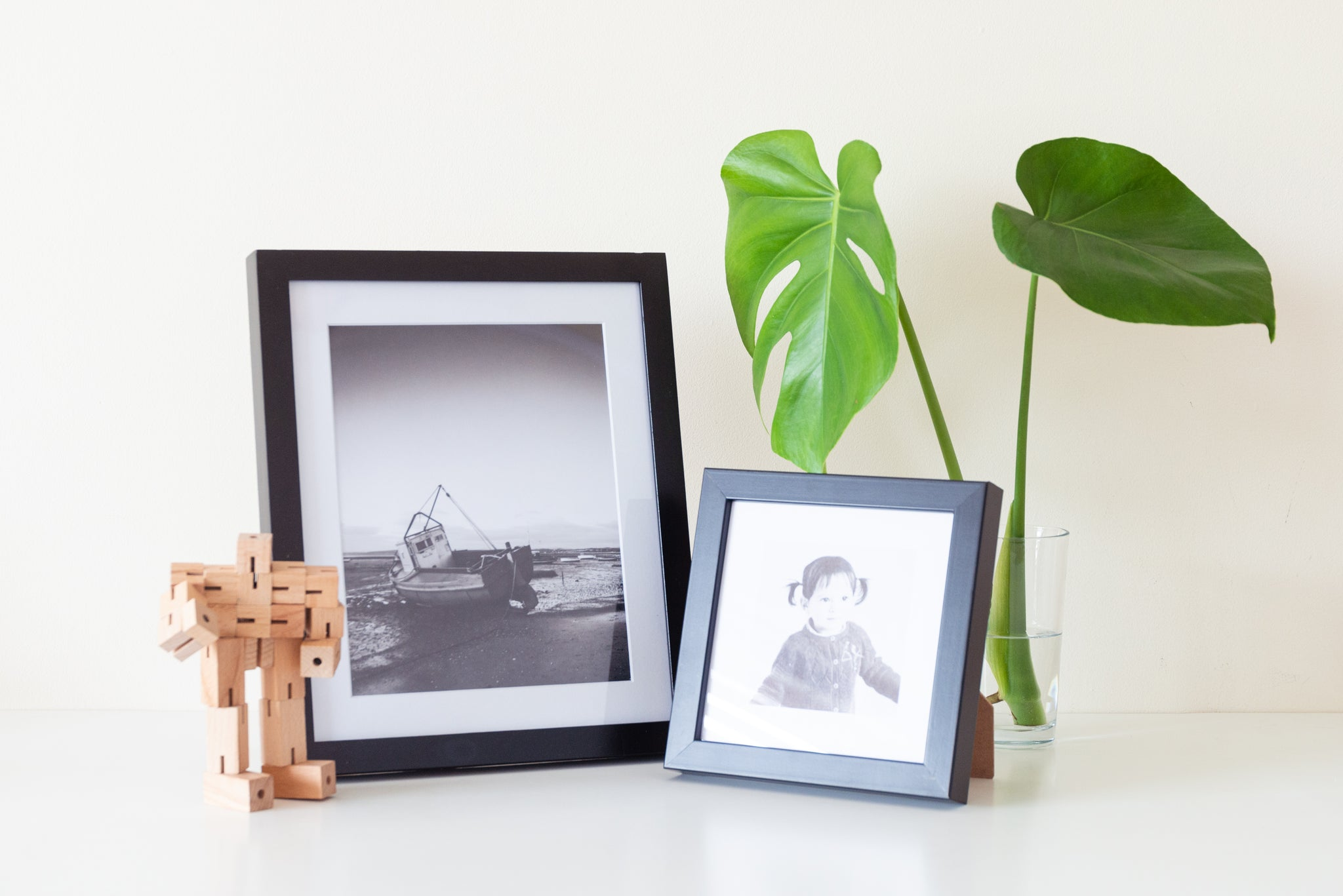 (PRE-ORDER) Black Solid Wood Frame + Photographic Print