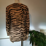 vintage fitted tiger print top