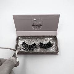 how to clean and store your false eyelashes