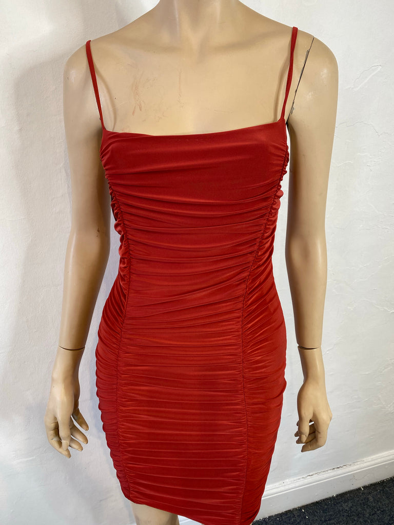 Burgundy ruched body con dress