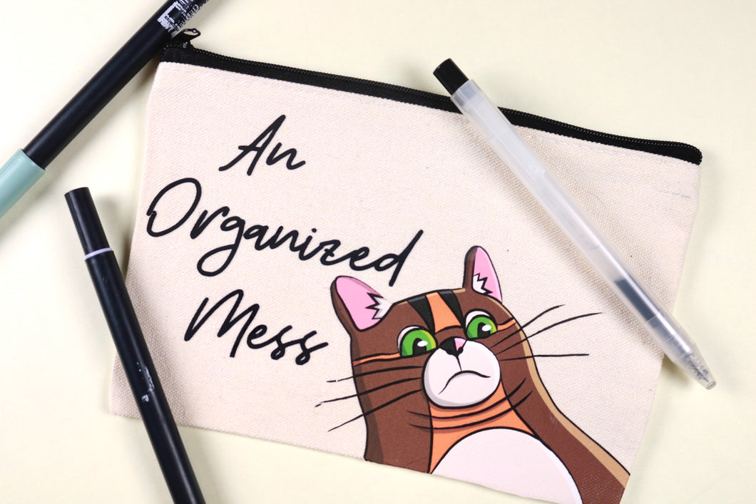 An Organized Mess | Rye's Double Chin Canvas Pouch