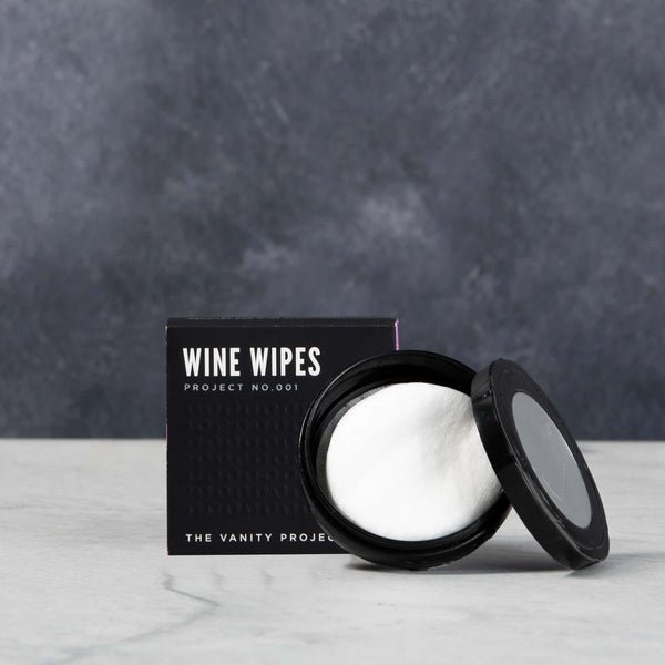 Wine wipes, clean your teeth and lips