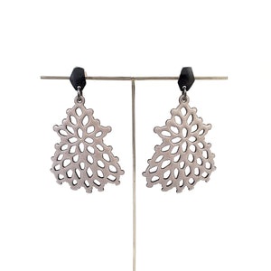 Large Structure Earrings in Dove Grey