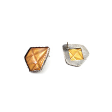 Load image into Gallery viewer, Gold Diamonds Studs
