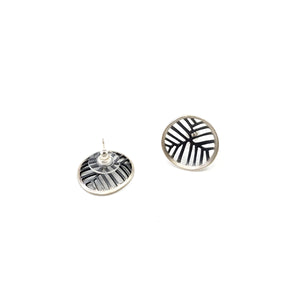 Mea Small Oxidized Studs