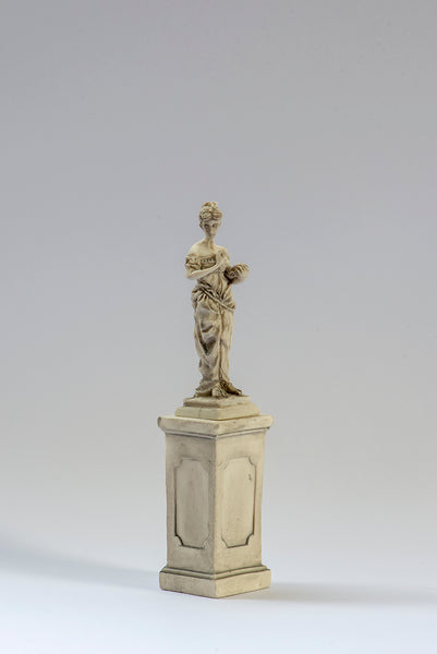 Resin 1/12th Statue on Pedestal, colour Grey