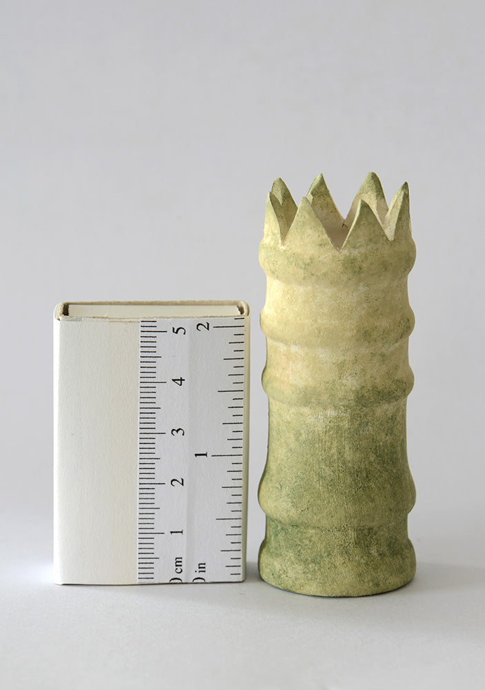 Weathered Crown Top Chimney Pot 1/12th scale