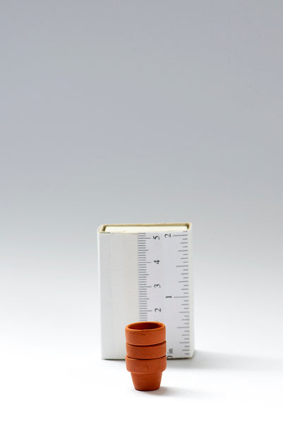 Set of 3 Tiny Terracotta pots, suitable for both 1/12th and 1/24th scales