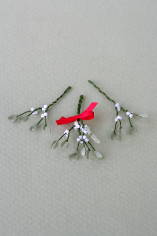 Mistletoe Kit  for 1/12th scale Dollhouses, Florists and Miniature Gardens