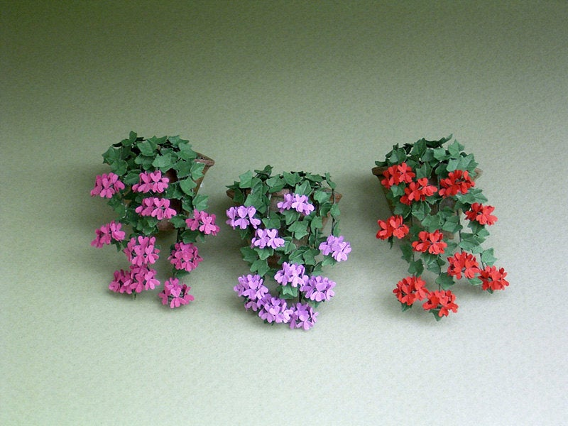 Ivy Leaf Geranium Paper Flower Kit  for 1/12th scale Dollhouses, Florists and Miniature Gardens