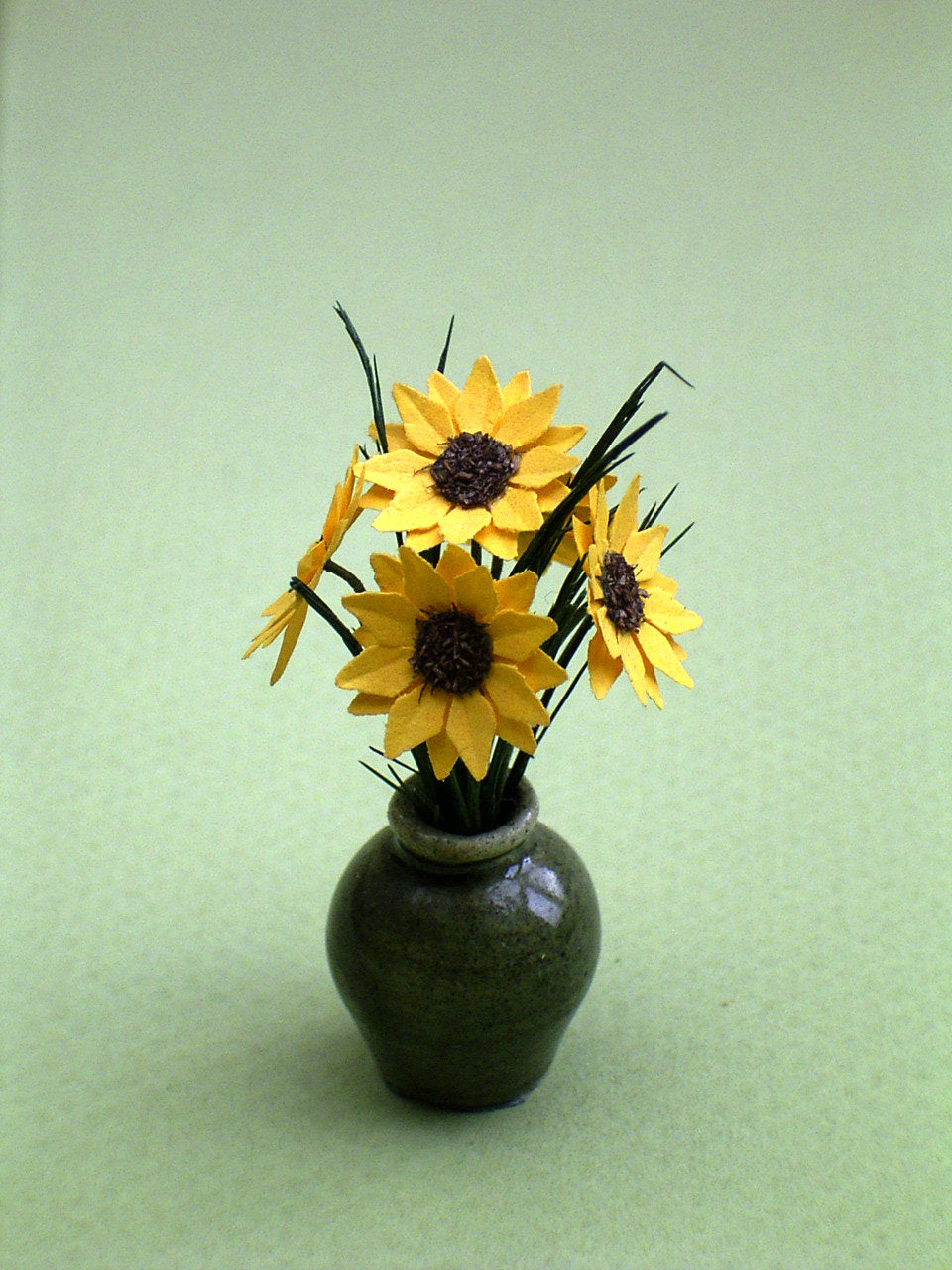 Small Sunflowers Paper Flower Kit  for 1/12th scale Dollhouses, Florists and Miniature Gardens