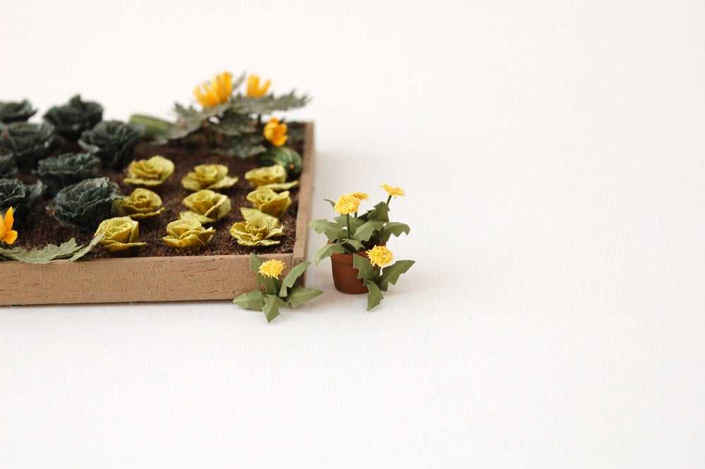 "1/24th Dandelion Paper Flower Kit for 1/2"" scale Dollhouses, Florists and Miniature Gardens"