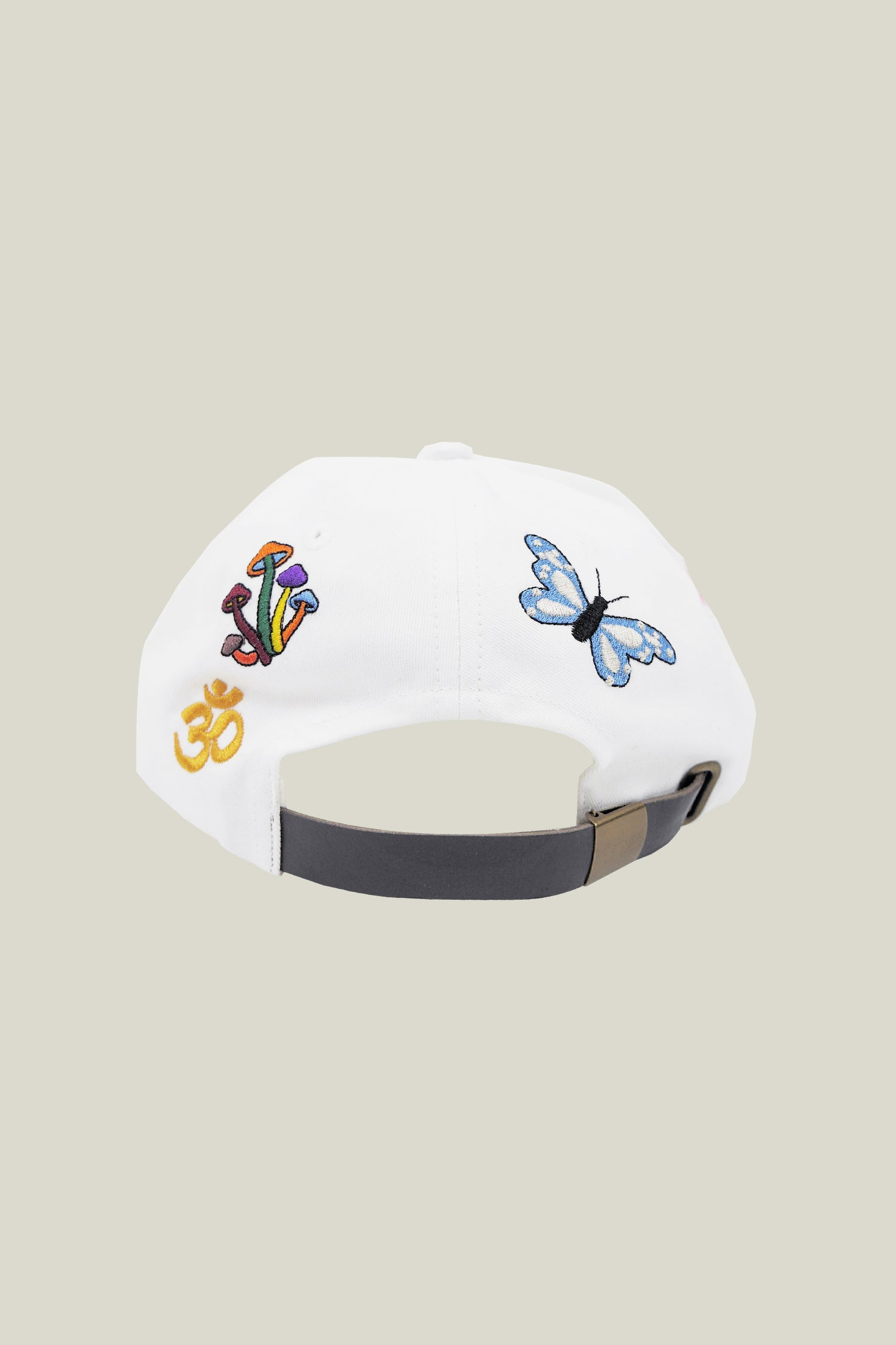 Embroidered white cap, made with cotton twill in Portugal.
