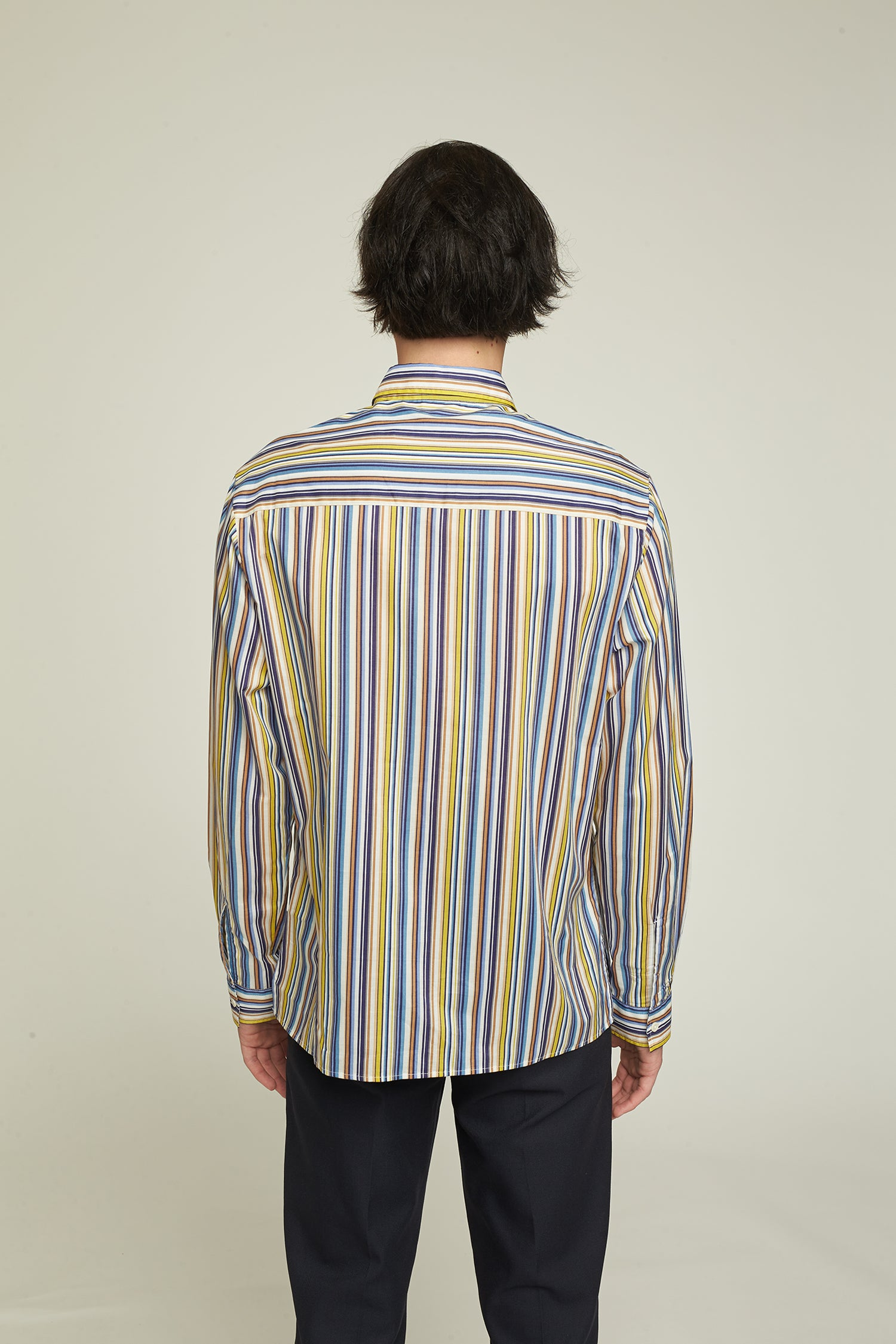 Loose-fitting shirt cut from Japanese cotton.