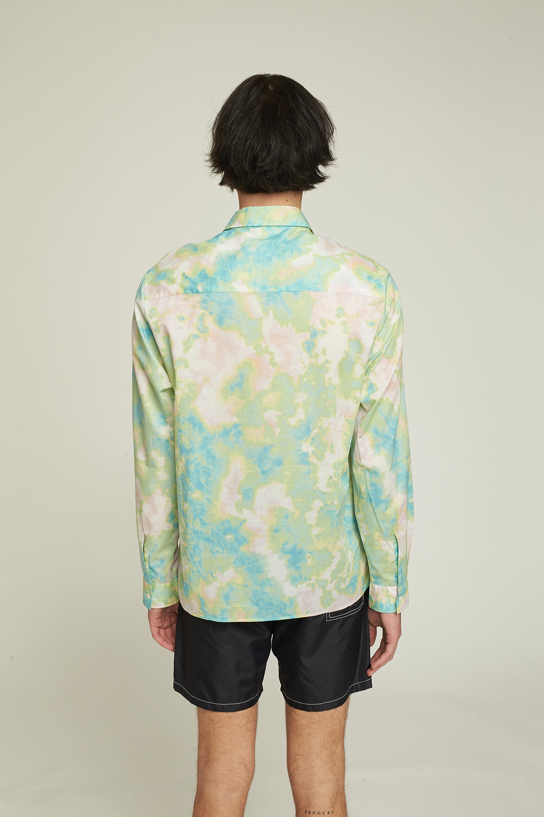 Smooth summer shirt with long sleeves, Tie and Dye.