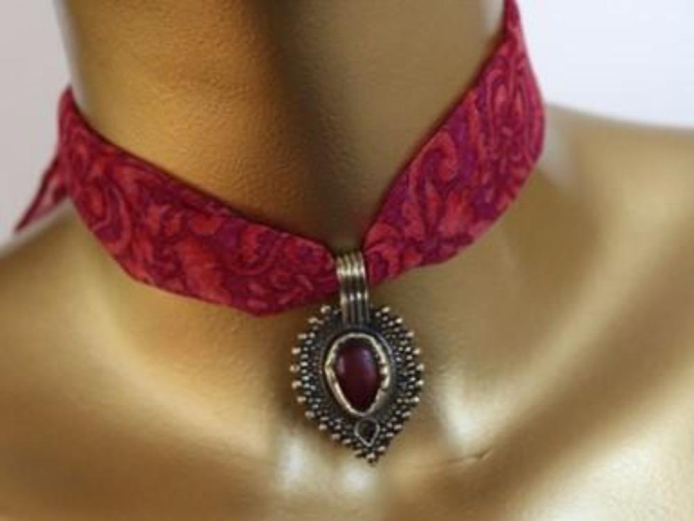 Fabric choker necklace - a Waziri