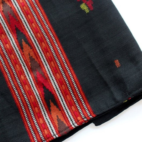 Black and embroidery wool scarf