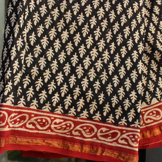 block print cotton scarf - black with red border