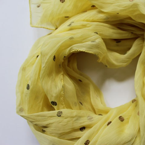 light yellow scarf