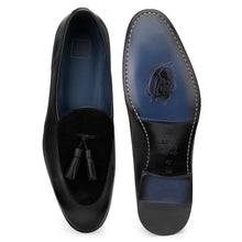 Load image into Gallery viewer, Men's Leather Tasseled Slip-on Shoes in Suede Leather