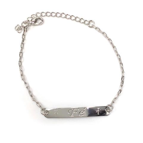 Fé Engraved Bar Bracelet