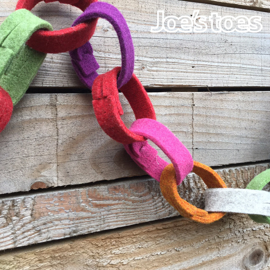 "Joe's Toes Felt ""paper"" chains close up"